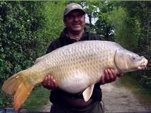 Dave with Scar the common - 42 lb 4 oz swim 3 - May 2014