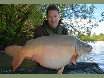Rob's new pb mirror - 55 lb Newly Named Daisy - May 2014