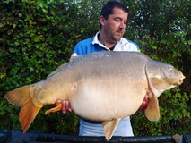 Mark swim 5 - 44 lb 2 oz from the margin - May 2014