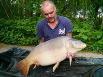 Paul with The Sub - swim 9 44 lb 12 oz - June 2014