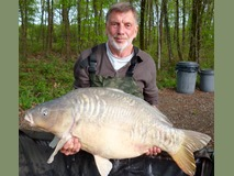 Roger with The Big Scale - 54 lb 8 oz swim 11 - April 2015