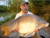 Bob's last fish of first week - 40 lb 15 oz swim 4 - August 2015