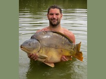 Scott with Bricktop - 47 lb swim 5  - August 2015