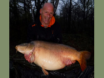 Steve with Daisy - 63 lb 10 oz  lake record - April 2017