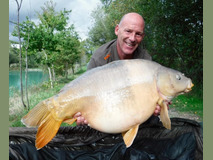 Steve with Blondie - 45 lb 8 oz swim 4  - October 2017