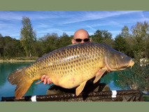 Mick with Scar the common - 45 lb 6 oz swim 5 - October 2017