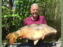 Richard with Big Al - 46 lb 2 oz swim 1  - April 2018