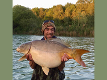 Rob - 33 lb 8 oz in the shallows - May 2019