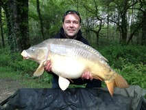 Pete with The Gob - swim 10 41lb 8oz - May 2013