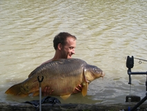 Jay with his new pb mirror - 46 lb 1 oz - April 2011