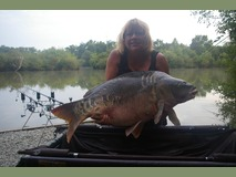 Gwen's new PB - 52lb 2oz swim 9  - July 2013